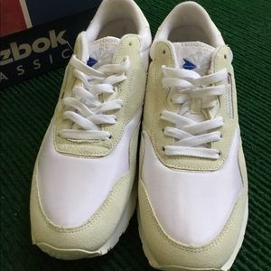 1fb7706f2fd10 Reebok Shoes - VINTAGE DEADSTOCK Reebok Classic tennis shoes 90s